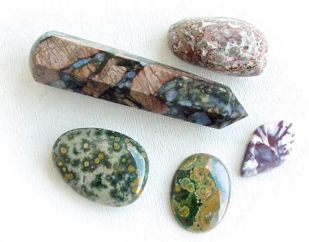 ryolit-rozne-kamene.jpg