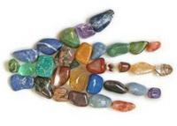 ruka z kamenov
