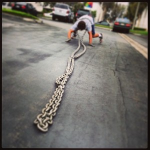 crawl-reverse-dragging-chain