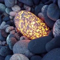Yooperlit - svietiaci kameň